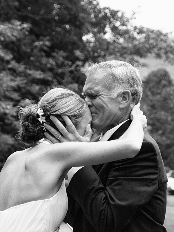El beso del padre de la novia