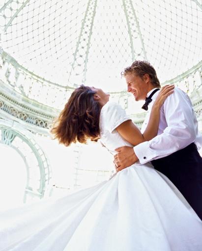 ¿Bailamos? / Shall we dance?