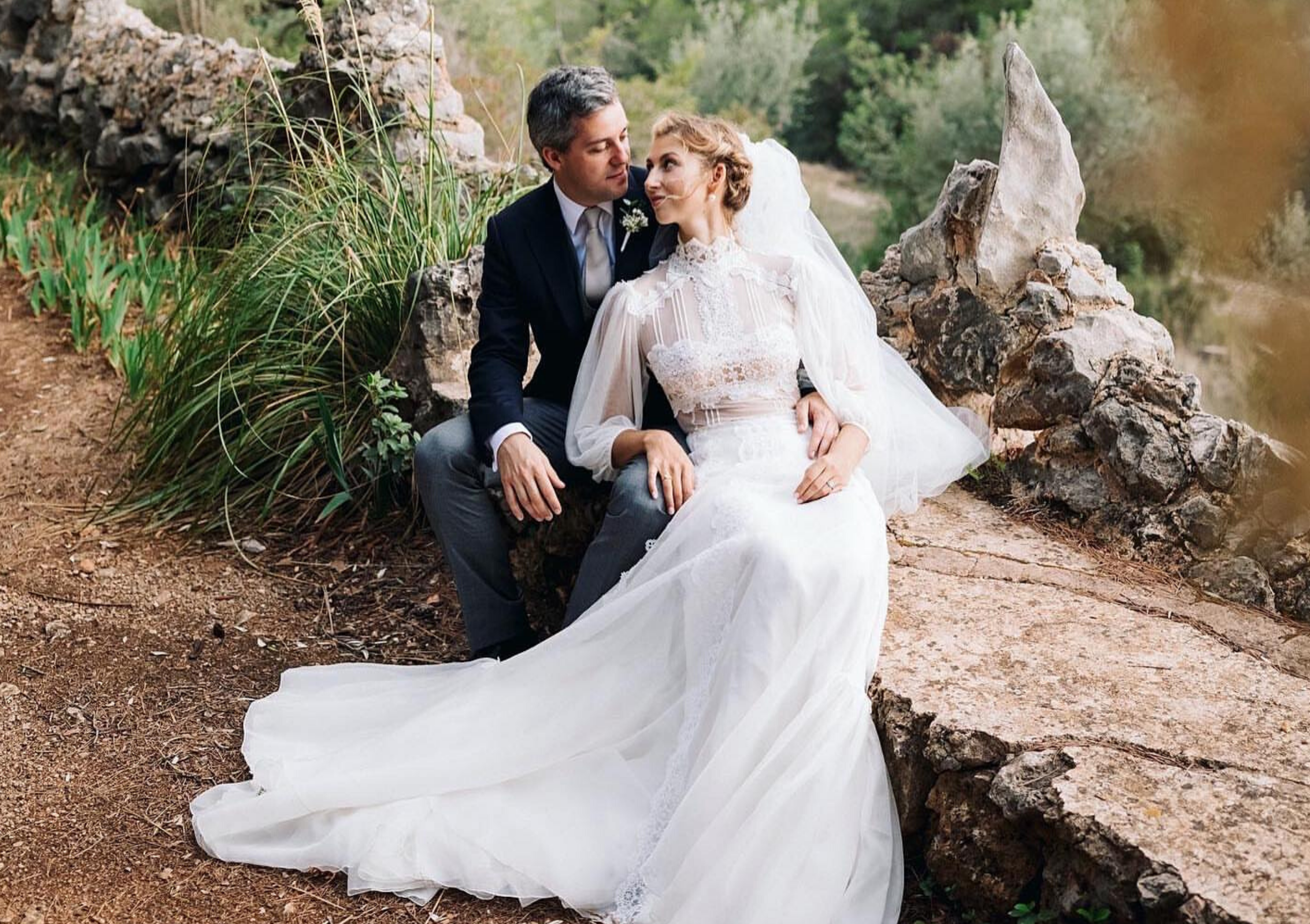 La elegante pareja Masha y Henri Peugeot, y su mágica boda de tres días en Mallorca / The elegant couple Masha and Henri Peugeot and their magical three-day wedding in Mallorca